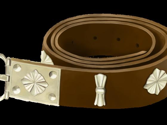Gürtel mit Bronzeapplikationen